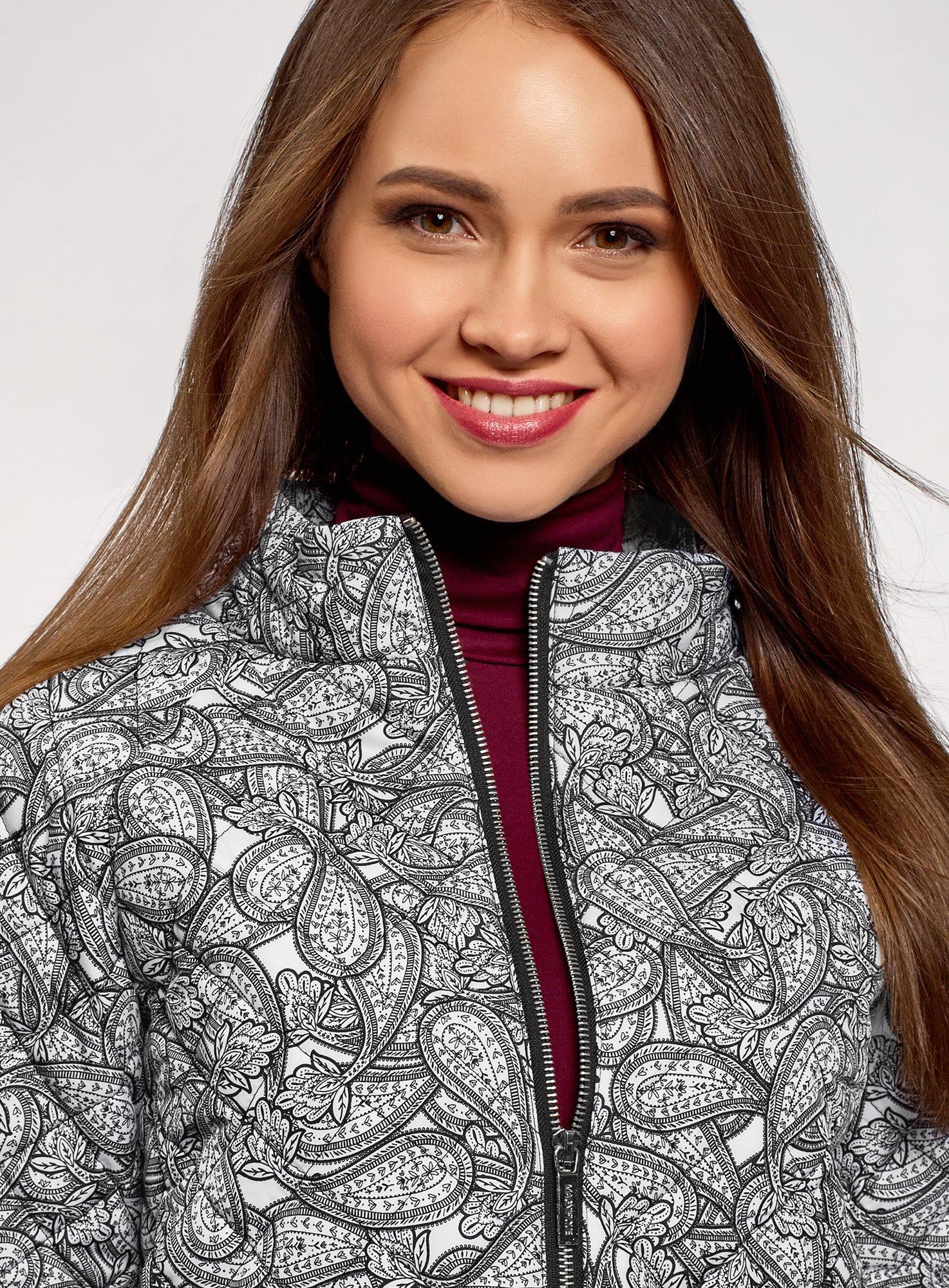 Куртка стеганая принтованная oodji для женщины (белый), 10207002-1/45419/1029E