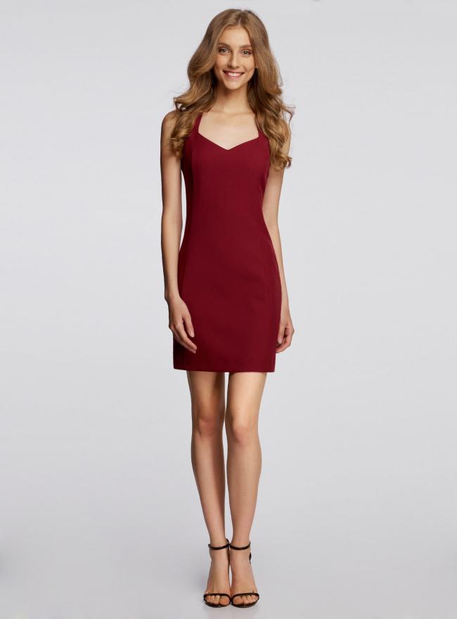 Платье базовое из плотной ткани с сердцевидным вырезом oodji для женщины (красный), 11902160/14917/4900N