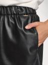 Шорты из искусственной кожи oodji для женщины (черный), 18M01004/50434/2900N