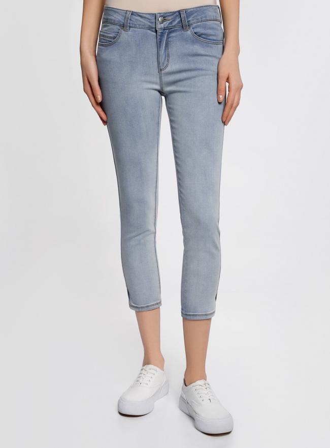 Капри джинсовые с потертостями oodji #SECTION_NAME# (синий), 12105016/45253/7000W