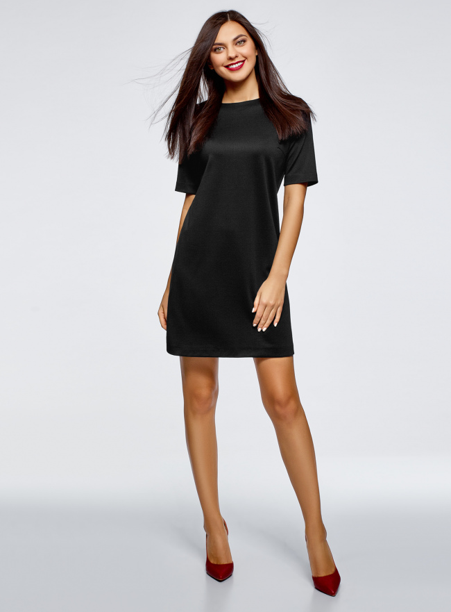 Платье прямого силуэта с коротким рукавом oodji для женщины (черный), 24001110-10B/48481/2900N