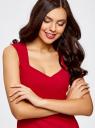Платье базовое из плотной ткани с сердцевидным вырезом oodji для женщины (красный), 11902160/14917/4500N