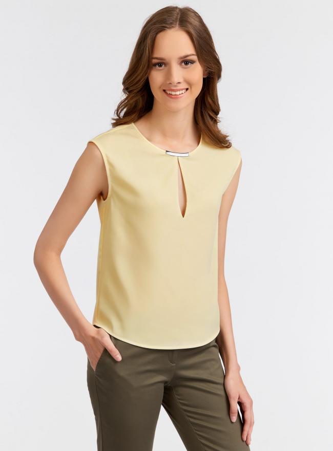 Топ из плотной ткани с вырезом-капелькой oodji для женщины (желтый), 21411105/42720/5000N